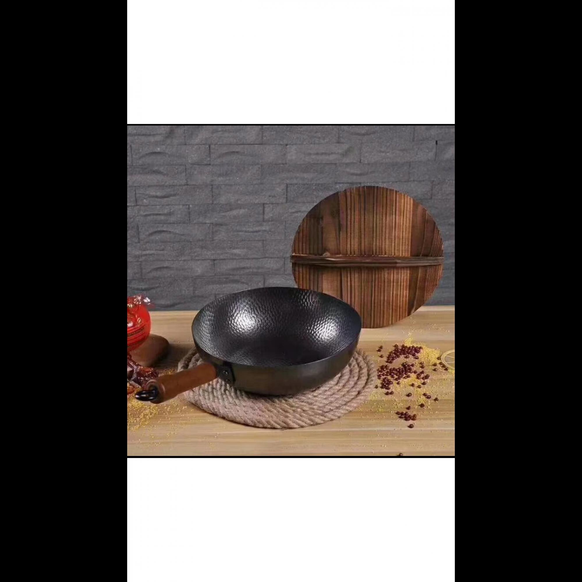 Сковорода ВОК из углеродистой стали. Диаметр 32 см.